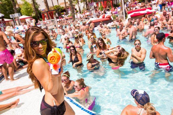 Flamingo Go Pool Party